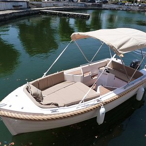 barco para salir al mar sin licencia