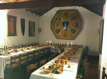 Sala d'armi- Allestimento di una cena medioevale