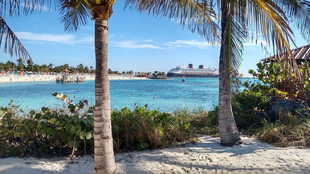 Primeira praia da Ilha de Castaway Cay (ilha particular da Disney)