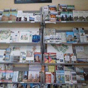 Materiale informativo gratuito in quantità! A lot of free maps & brochures!