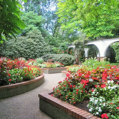 Park and Tilford Gardens