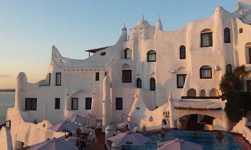 en Casapueblo puedes ver uno de los mejores atardeceres de Uruguay!