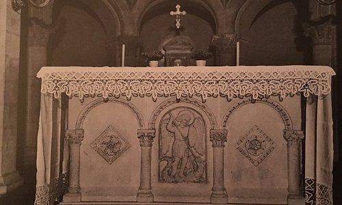 Altare nell'attuale posizione