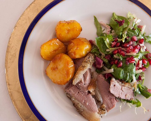 Share authentic Icelandic cuisine with a local in their Reykjavik home - Traveling Spoon