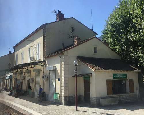 lovely station nd this one is the main one Corti