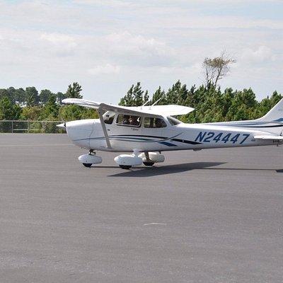Brunswick Air Cessna heading to runway