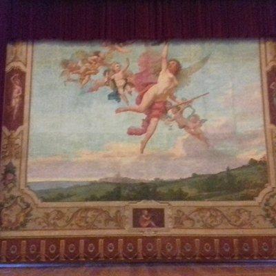 Palcoscenico originale raffigurante le arti e la stilografica di Montecarotto