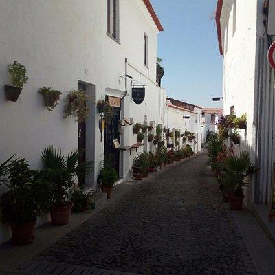 Uma das ruas da mouraria