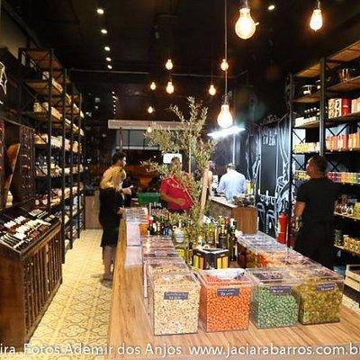 Vinhos, chocolates, doces, azeites, pimentas, cervejas artesanais,pão, massas, risotos e antepas