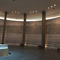 地下の追悼祈念、瞑想の場