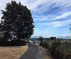 nice easy walking path.