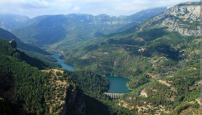 Pantano del Tranco conocido como El Tranco de Beas.