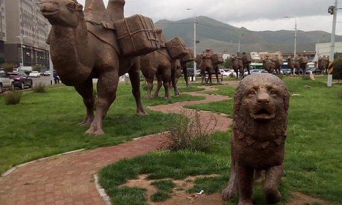 Silk road complex of statues