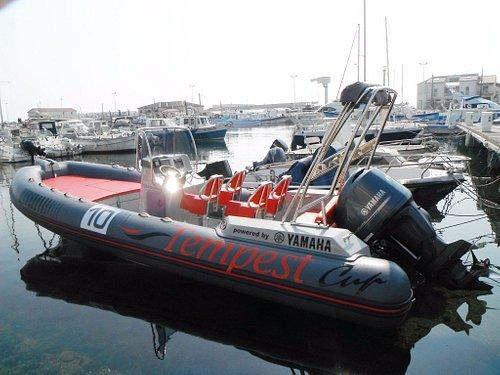 Capelli Tempest Cup : 225 ch, 8 places assises et un grand bain de soleil pour profiter au maxim