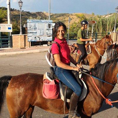 Questa sono io e la gioia di essere arrivata a Manoppello dopo questi cinque giorni a cavallo