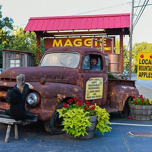 Shopping through Maggie Valley - such a pretty ride and a great shop