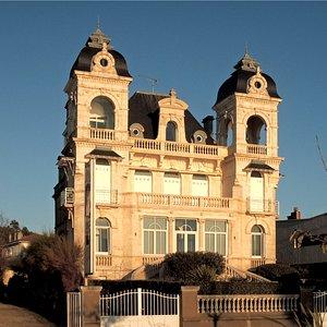 Une des Nombreuse villas bordant la Grande Conche