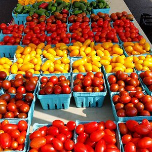 Nice selection of tomatoes, Spotsylvania Farmers Market
