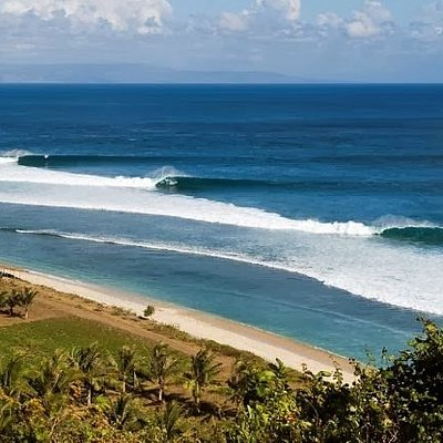 Pantai surfing bangko bangko lombok