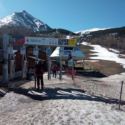 Pico de Cerler desde el Molino (pistas de esqui)