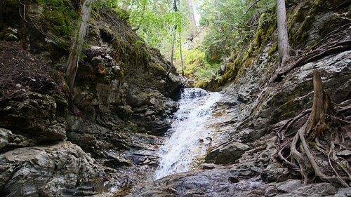 Ein etwas kleinerer Wasserfall