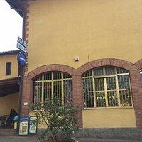 シエナからモンタルチーノ移動中のカフェ