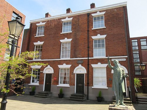 The front of the William Booth Birthplace Museum.