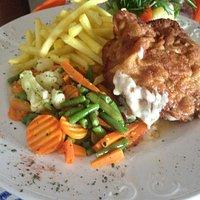 Cordon Bleu con Verdure e Patatine Fritte