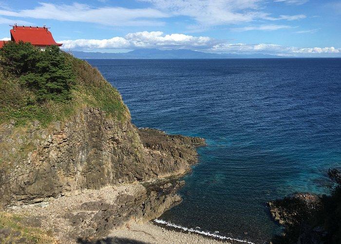 宮津弁天宮位於奧尻島東側海邊