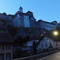 Widok z miasta na zamek
