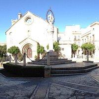 Vista panorámica plaza de la Asunción. Iglesia de San Dionisio y Cabildo