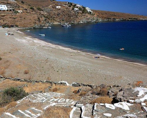 Παραλία Σκύλου στην Κύθνο.