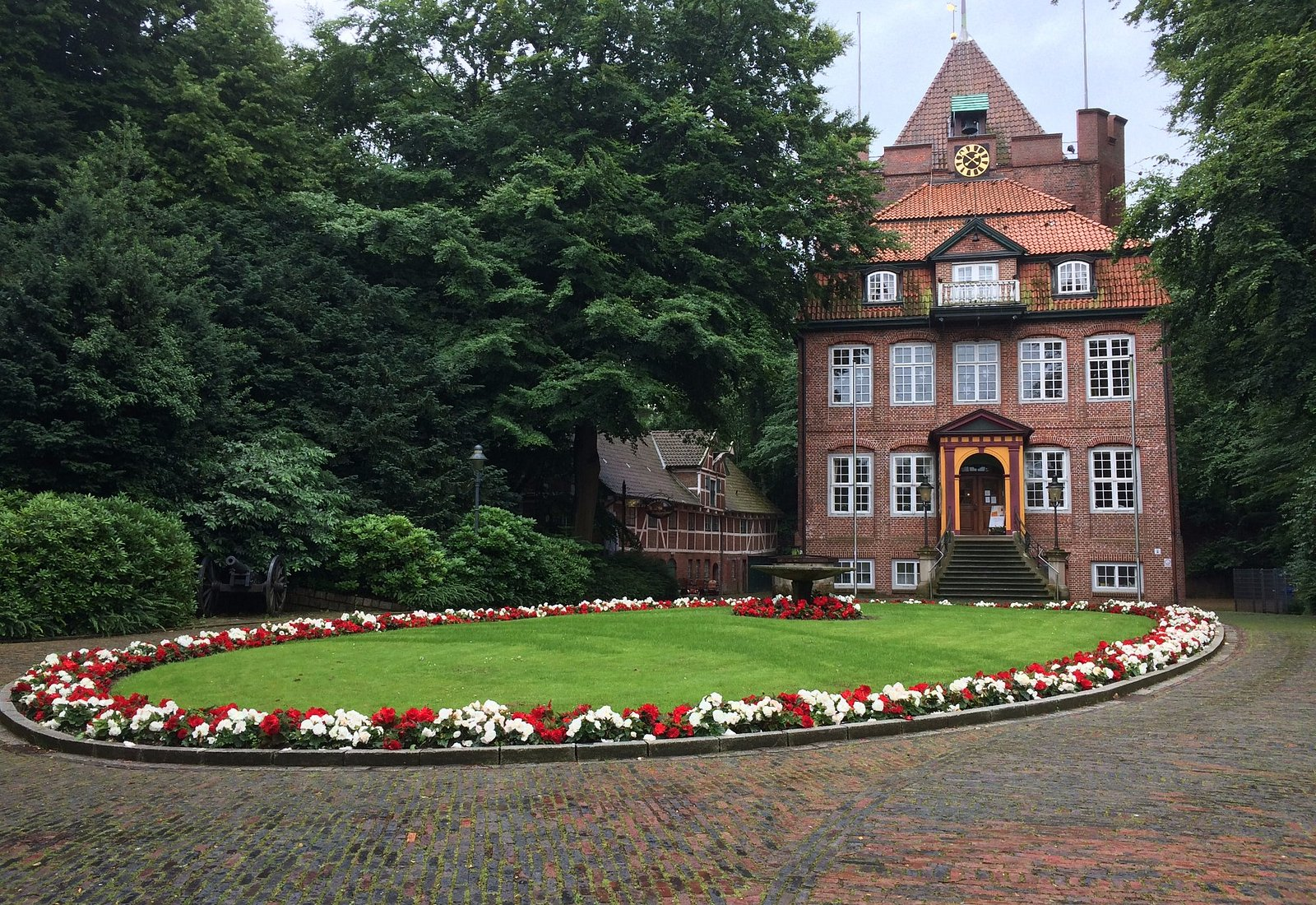 Schloss Ritzebüttel - auch bei Regen ganz schön.