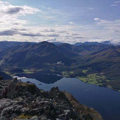Utsikt frå Keipen til Bjørkedalsvatnet i Bjørkedalen