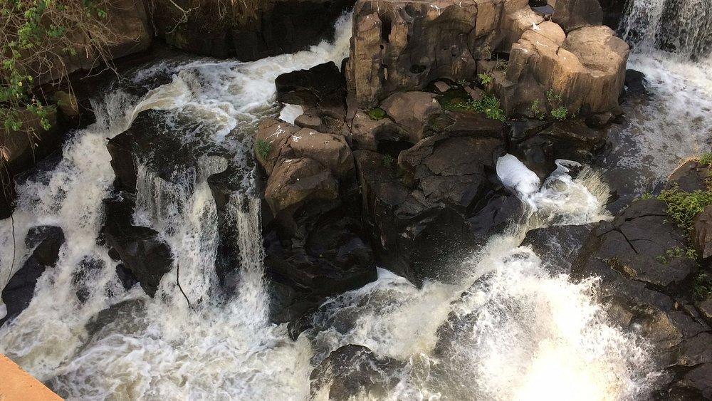 Um rio muito bonito e caudaloso, passeio excelente para qualquer pessoa.