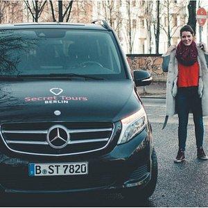 Unsere Secret-Touren starten täglich vom Potsdamer Platz. Los gehts dann mit unserer MB V-Klasse