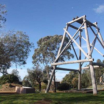 Gulgong Gold Experience is situated on Red Hill where gold was first found in 1870.