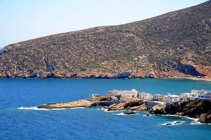 apollonas beach naxos(tours around naxos island)