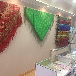 Las mejores sedas, lanas, artículos personalizados para todos los bolsillos