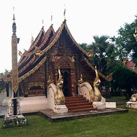 The first Buddhist temple in Mae Hong Son province houses a ancient Buddha statue casted approx.