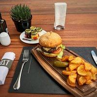 Fraldinha, Batata Rustica burger.