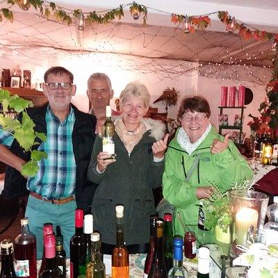 De proeverij was een echt succes !!  Lekkere wijntjes  ...
