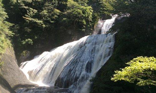 水量が多い袋田の滝、凄〜いです。