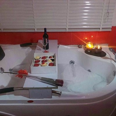 Jacuzzi, candle light, wine, cakes, flowers and soft music.... Only thing missing is you and bae