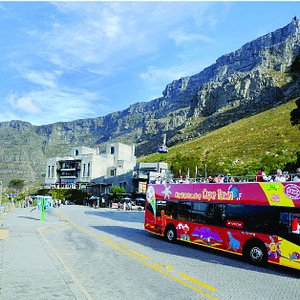 Bus departing from the Table Mountain Cableway
