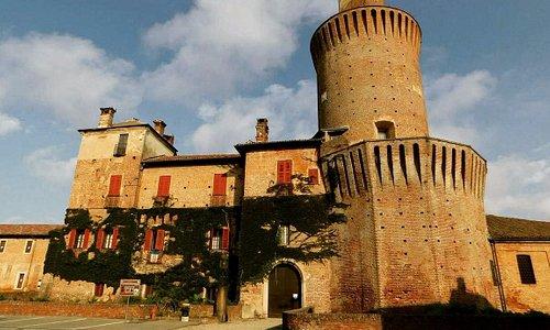 Un meraviglioso  Castello  con la  leggenda della  Dama Bianca