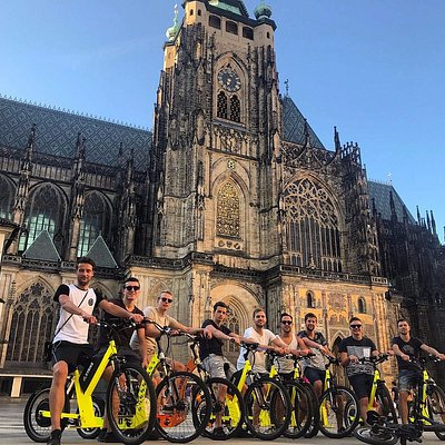 Team riding in Prague castle