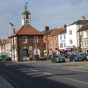 Main Street and Moot Hall