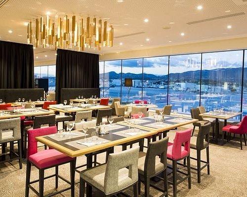 Restaurant au sommet du Casino avec vue sur la rade de Toulon