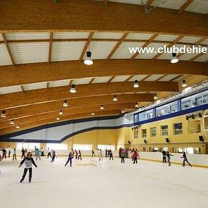 Pista de patinaje sobre hielo  abierta a todos los públicos